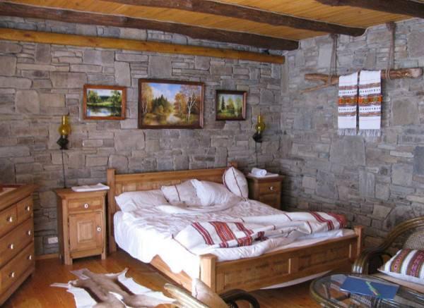 Спальня, оформленная в стиле кантри