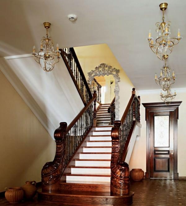 Лестница в интерьере дома – характеристика, особенности, типы