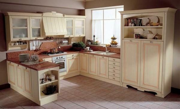 Кухонный гарнитур в бежевом цвете