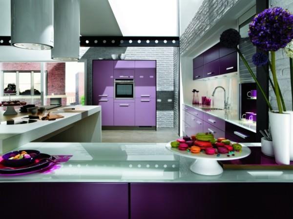 Выбираем фиолетовый цвет для кухни