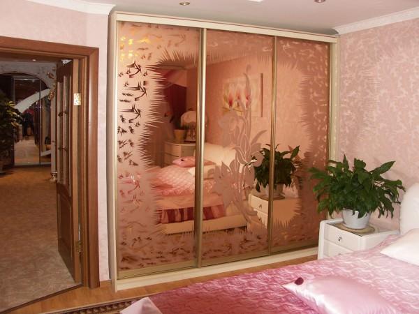 Часть 2. Стеклянная и зеркальная мебель в интерьере (недостатки)