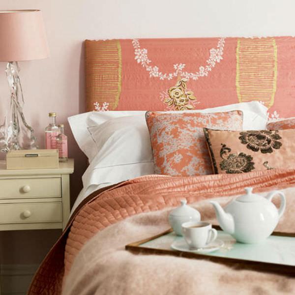 Сладко персиковый цвет в интерьере