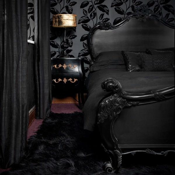 Оформление спальни черным цветом – смело?